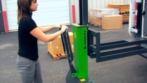 INNOLIFT Self-Lifting Portable Vehicle Pallet / Freight Loader