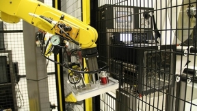 Robotic Pallet Labeling